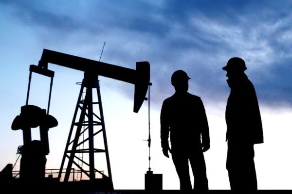 Нефтяные работники